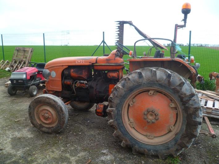 renault tracteur d 22 tracteur agricole diffusion directe. Black Bedroom Furniture Sets. Home Design Ideas