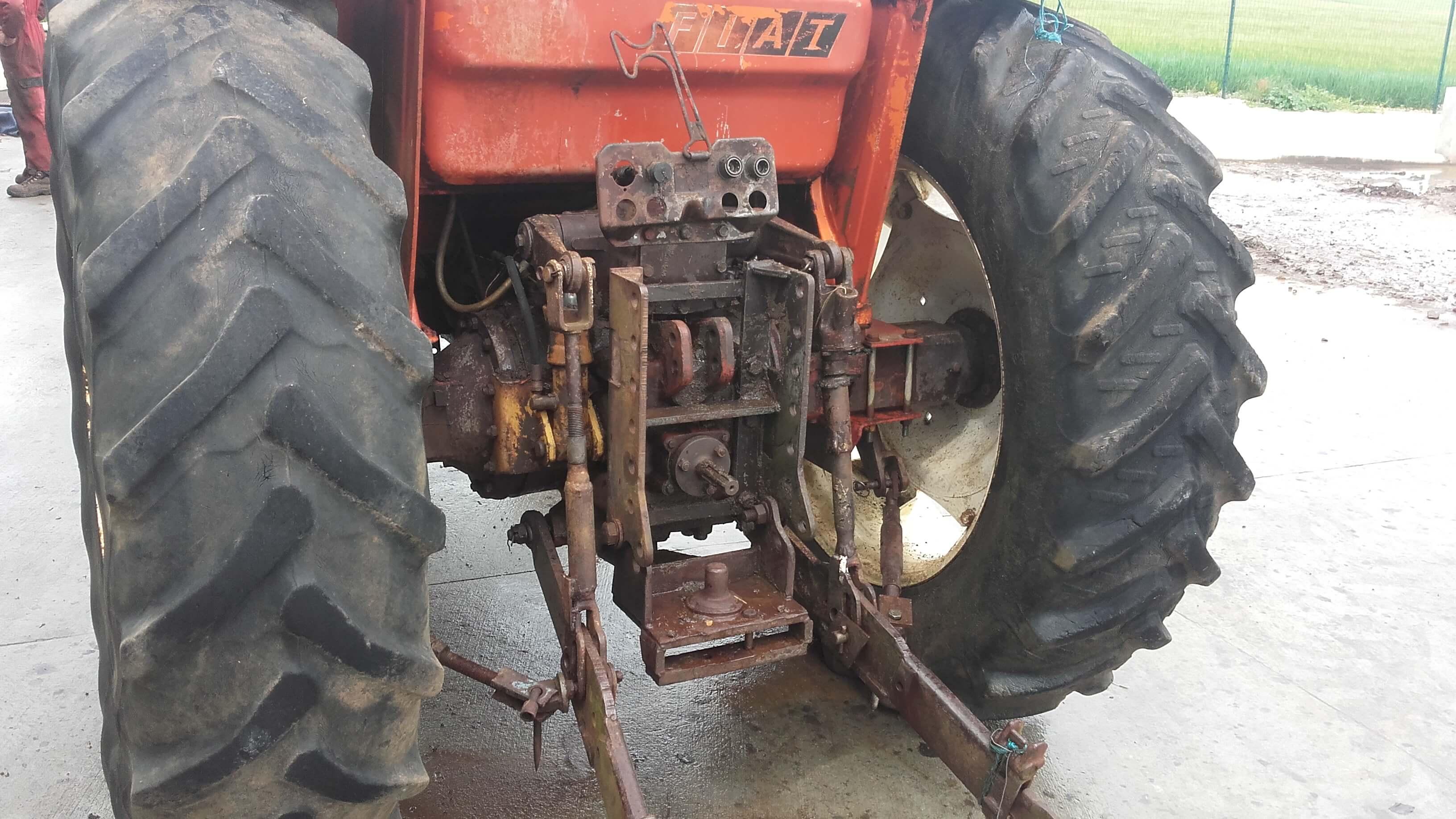 tracteur agricole 880
